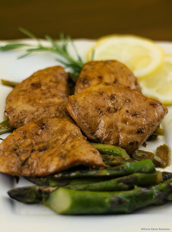Se questo è un uovo - Petto di pollo con salsa di soia asparagi e rosmarino