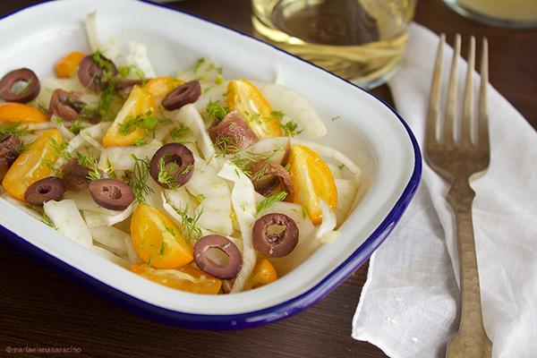 Porzione di insalata di finocchi.