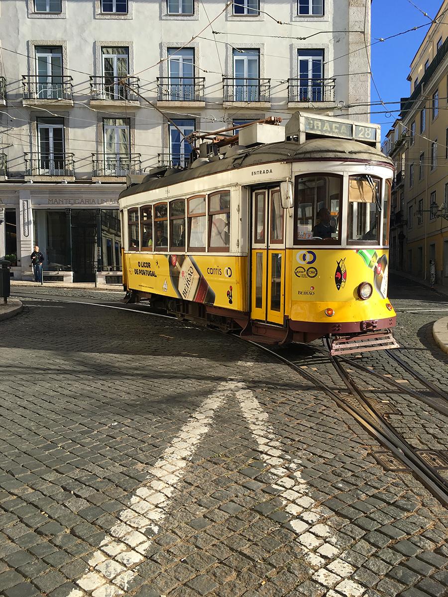 Tram 28 a Lisbona.