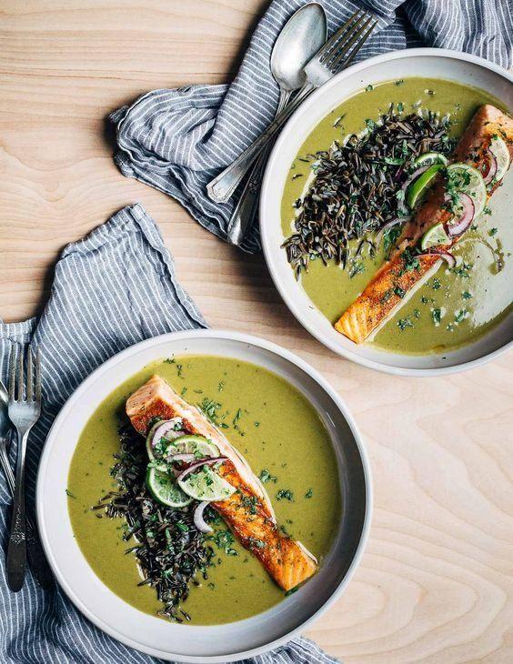 passato di verdure con salmone e riso venere.