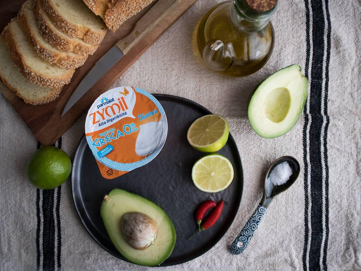 Ingredienti per guacamole cremoso