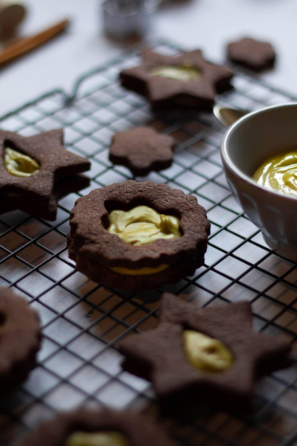 Biscotti al cacao con crema di pistacchio - La crema