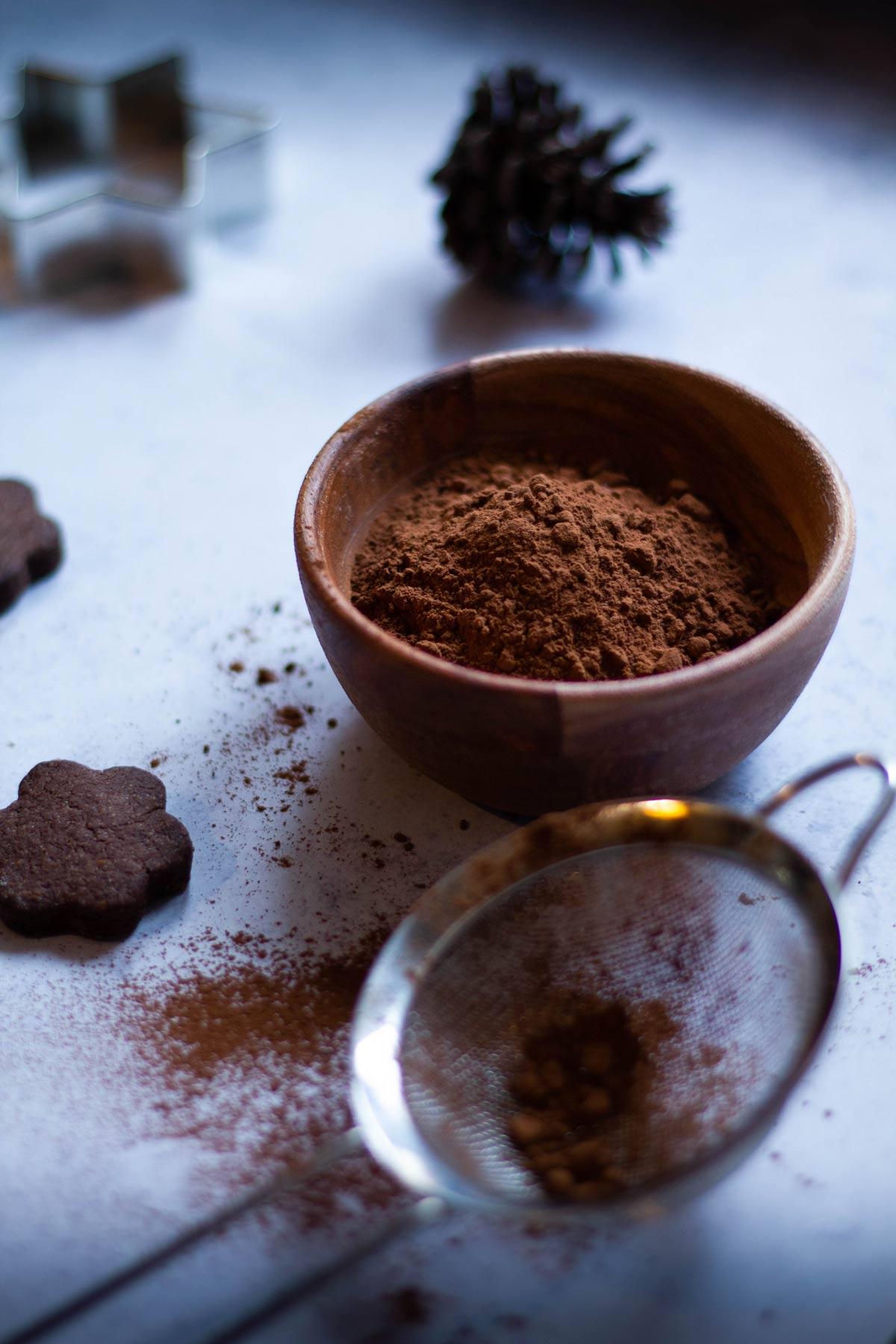Biscotti al cacao con crema di pistacchio - cacao