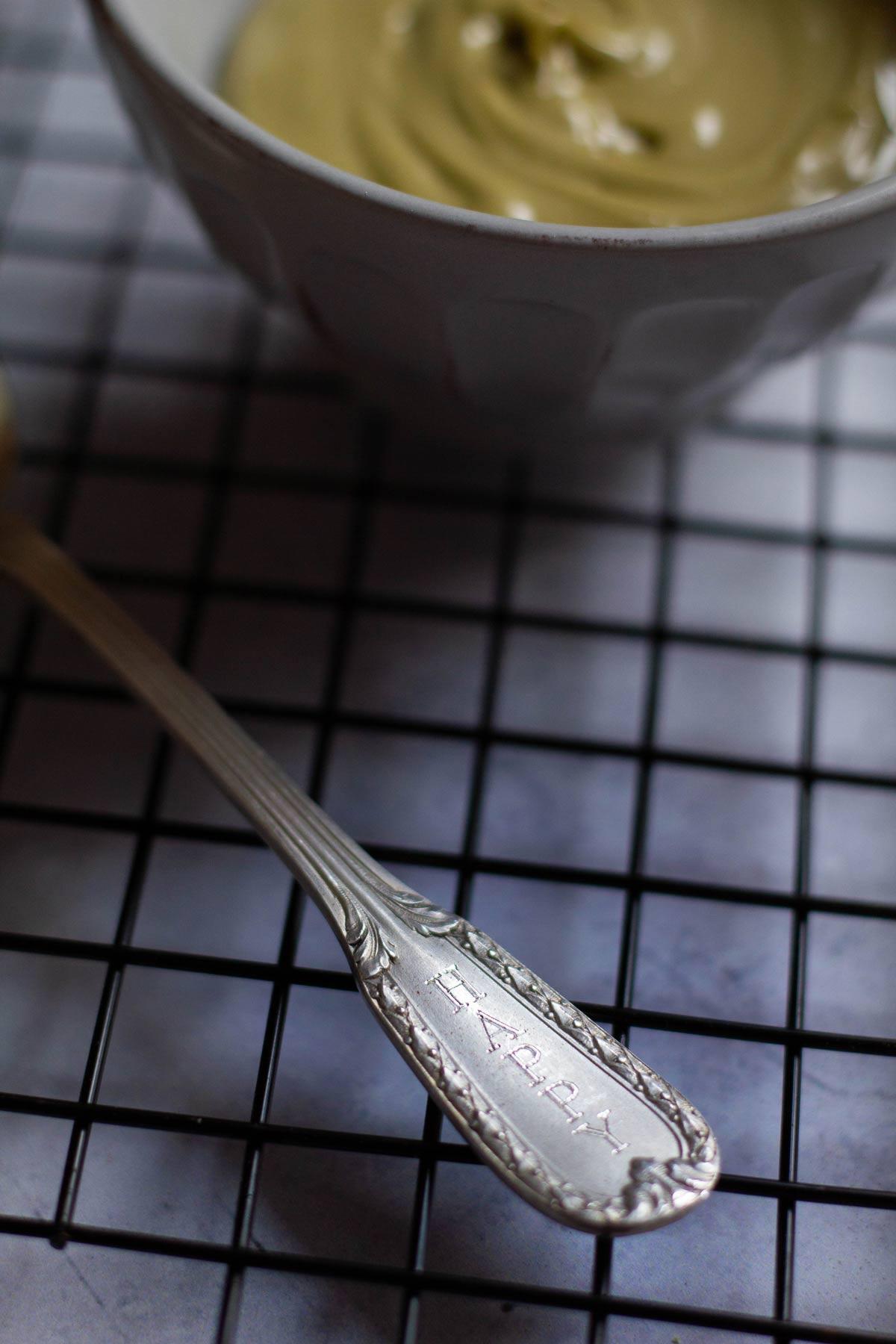 Biscotti al cacao con crema di pistacchio - Cucchiaino