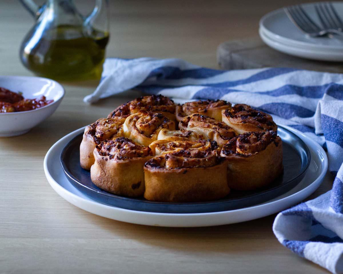 Se questo è un uovo - Torta di rose con pomodori secchi